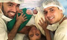 Avó dá à luz netas para realizar sonho do filho de ter bebê com o marido