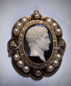 ⊙ Cameo Cupidity ⊙  Head of Hercules, onyx cameo, Italian, late 18- early 19th century