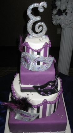 "Masquerade birthday cake with life size sugar masks, and sugar letter ""E"" Masquerade Cakes, Sweet 16 Masquerade, Masquerade Theme, Masquerade Ball, 40th Birthday Parties, Sweet 16 Birthday, Birthday Cake, Birthday Ideas, Beautiful Cakes"