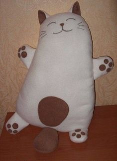 – Papier Kunst # muñecosdeganchil … - My CMS Sewing Toys, Sewing Crafts, Sewing Projects, Sewing Stuffed Animals, Stuffed Animal Patterns, Cushion Embroidery, Cat Quilt, Cat Pillow, Fabric Toys