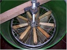 The Bush Mechanic - Make your own Honey Extractor Honey Extractor, Bee Hive Plans, Beekeeping For Beginners, Raising Bees, Bee Boxes, Bee Farm, Garden Animals, Mini Farm, Hobby Farms