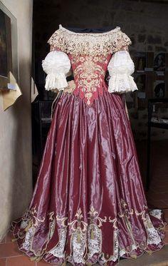 Costume inspired by a court ballet of the late seventeenth century. Reproduction by Ollivier Henry.