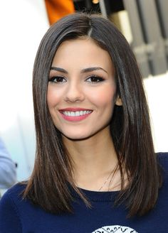 Has your hair become medium length? Then try out the long bob hairstyles. The long bob hairstyles ha Medium Hair Cuts, Medium Hair Styles, Curly Hair Styles, Victoria Justice Hair, Short Straight Hair, Straight Haircuts, Medium Straight Haircut, Mid Length Hair, Long Bob Hairstyles