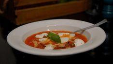 Tomatsuppe med krutonger.