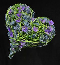 Brudearbeider - Blomst af Hansen AS Stein Are Hansen .one of the worlds better best brilliant Florists Deco Floral, Arte Floral, Floral Design, My Flower, Flower Art, Flower Power, Heart In Nature, Heart Art, Fresh Flowers