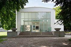 :: KM– Künstlerhaus, Halle für Kunst & Medien Documenta Kassel, Halle, Mansions, House Styles, Building, Outdoor Decor, Home Decor, New Construction, Urban Park