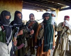 مقتل 141 طفل بهجمات لطالبان على مدرسة بالباكستان