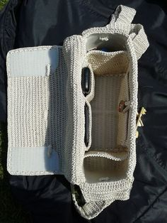 May 25 – Today's Featured Chains – Starting Chain Crochet backpack pattern inspiration / crochet bag from t-shir yarn Bobble stitch handbag crochet pattern with video tutorial – Artofit Crochet Backpack Pattern, Crochet Clutch, Crochet Handbags, Crochet Purses, Crochet Bags, Free Crochet Bag, Crochet Stitches, Knit Crochet, Macrame Bag