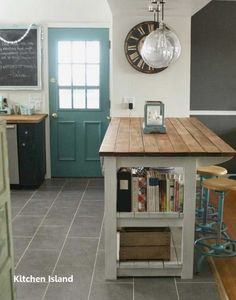 New kitchen farmhouse island with seating counter stools ideas Portable Kitchen Island, Farmhouse Kitchen Island, Kitchen Island Decor, Kitchen Island With Seating, Kitchen Rustic, Farmhouse Style, Modern Farmhouse, Country Kitchen, Farmhouse Layout