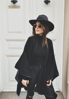 all black outfit casual - Outfits ta Looks Street Style, Looks Style, Looks Cool, Style Me, Black Skinnies, Black Pants, Winter Stil, Mode Outfits, Outfits With Hats