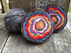 Would be a fun group activity - each child can press on a different layer. Rudolf Steiner, Wet Felting, Needle Felting, Rainbow Rocks, Textiles Techniques, School Holidays, Creative Thinking, Simple Art, Stone Painting