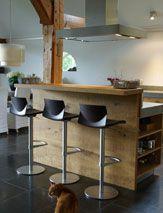 En een bar aan de keuken! :)