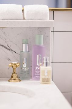 Clinique 3 Step Cleanse Face Forward // dramatically different moisturising lotion