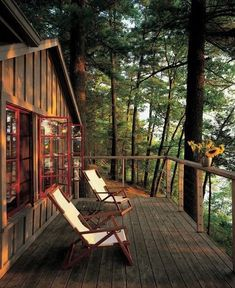Cabins And Cottages: All I Need is a Little Cabin in the Woods Phot.You can find Little cabin and more on our website. Cabin Homes, Log Homes, Haus Am See, Balkon Design, Little Cabin, Cabins And Cottages, Treehouse Cottages, Small Cabins, Cabins In The Woods