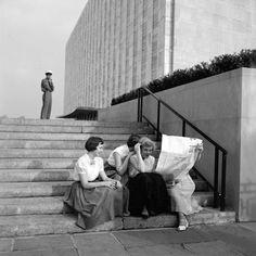 Flushing, Queens, NY, 1954 (c) Vivian MAIER
