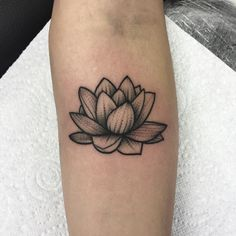 Ending a super busy week with this cutie Lotus Tattoo Men, Lotus Flower Tattoo Design, Flower Tattoos, Dream Tattoos, Future Tattoos, Body Art Tattoos, Tatoos, Sister Tattoos, Tattoos For Guys
