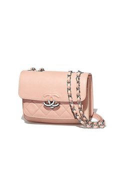 Fashion shows, Ready-to-Wear and Accessories Collections   CHANEL. Сумки  Шанель · Модные Сумки ... 43d9162dca8