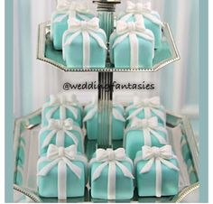 Tiffany Blue cupcakes. Perfect as a bridal shower favour.