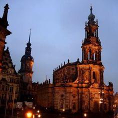 Saudades de Dresden  Essa cidadezinha alemã foi devastada no final da Segunda Guerra Mundial, mas hoje ela está lá lindona e reerguida! #nofilter #dresden #Alemanha #Germany #eurotrip #europe #europa #wanderlust #zigadazuca #travelblogger