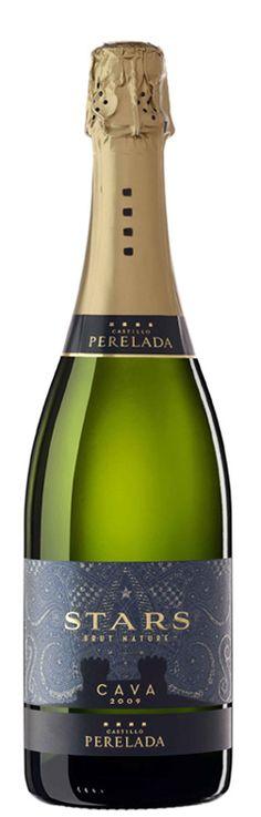 Castillo Perelada Stars Brut Nature - i wanna try it! Wine Packaging, Packaging Design, Cava Champagne, Organic Wine, Wine Design, Sparkling Wine, Prosecco, Bottle Labels, Tequila