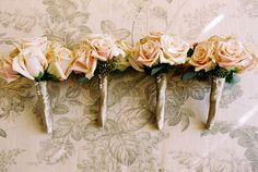 light pink and peach rose wedding bouquets photo by Yvette Roman Photography
