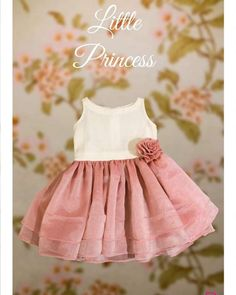 Baby Girl Frocks, Baby Girl Party Dresses, Frocks For Girls, Little Girl Dresses, Kids Dress Wear, Kids Gown, Kids Wear, Baby Frocks Designs, Kids Frocks Design