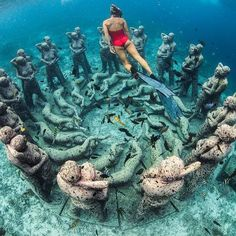 Explore the underwater beauty of Gili Trawangan in Lombok, #Indonesia Photo by: IG @alexkyddphoto