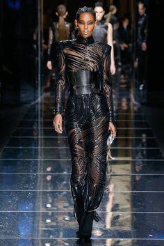 Balmain Fall 2017 Ready-to-Wear Fashion Show - Ysaunny Brito (Elite)
