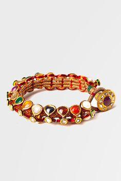 Vandana Kapoor kundan jewellery that will adorn your bridal mehndi filled hand