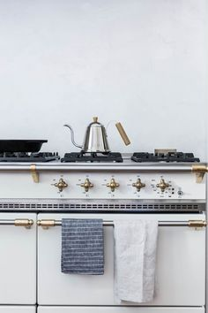 double stove, gold f