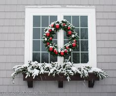 30 Gorgeous Christmas Decorating Idea Window Box - Craft and Home Ideas Winter Window Boxes, Christmas Window Boxes, Christmas Mantels, Christmas Holidays, Christmas Wreaths, Christmas Ideas, Christmas Porch, White Christmas, Merry Christmas