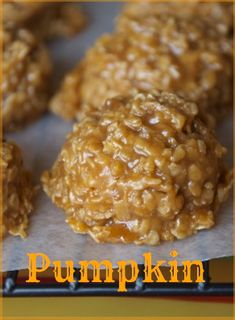 No bake pumpkin oatmeal cookies Paul loves the original chocolate no bakes and he loves pumpkin this could be a winner? No bake pumpkin oatmeal cookies Paul loves the original chocolate no bakes and he loves pumpkin this could be a winner? Köstliche Desserts, Delicious Desserts, Dessert Recipes, Yummy Food, Pumpkin Oatmeal Cookies, Pumpkin Dessert, Pumpkin Pumpkin, Pumpkin Pie Cupcakes, Pumpkin Fudge