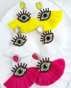 Timestamps DIY night light DIY colorful garland Cool epoxy resin projects Creative and easy crafts Plastic straw reusing ------. Beaded Earrings Patterns, Beaded Tassel Earrings, Beaded Brooch, Boho Earrings, Boho Jewelry, Fashion Earrings, Brooches Handmade, Earrings Handmade, Handmade Jewelry