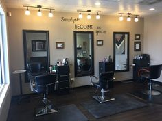 Salão de Beleza Home Beauty Salon, Home Hair Salons, Hair Salon Interior, Beauty Salon Decor, Salon Interior Design, Beauty Salon Design, Home Salon, Deco Spa, Salon Lighting