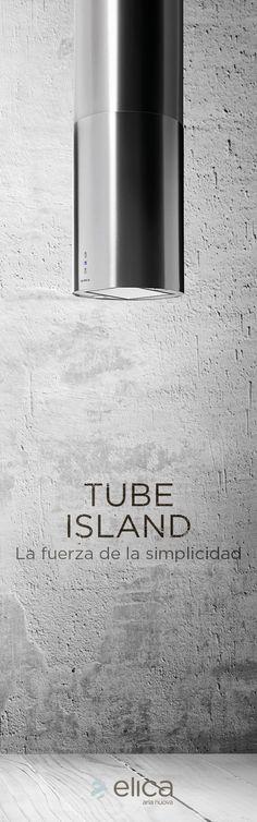 La línea, elemento básico de toda composición, posee la fuerza para concentrar el poder de aspiración e iluminación de Tube Island, la campana cuya simplicidad en la forma y su diámetro de 43 cm contrasta con la alta eficiencia de su motor de 490 CFM.