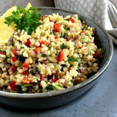 Simple and delicious recipe for Middle Eastern tabouleh – salad with bulgur, parsley … – Nice food – # delicious - New Site Easy Salad Recipes, Easy Salads, Vegetarian Recipes, Healthy Recipes, Salad Menu, Salad Dishes, Tabouleh Salat, Waldorf Salat, Cottage Cheese Salad