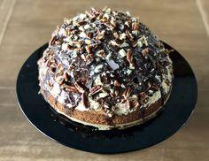 Mokkataart met pecannoten – Judoka Margriet Bergstra Desserts, Food, Meal, Deserts, Essen, Hoods, Dessert, Postres, Meals