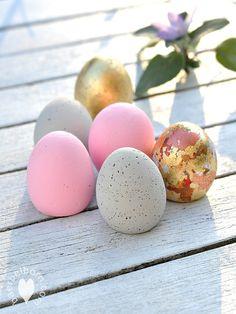 Diese Eier brechen garantiert nicht. Sie werden viele Jahre den Ostertisch zieren. Frostfest und bruchsicher aus Kreativ-Beton