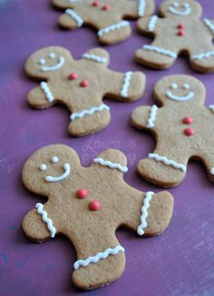 Gingerbread cookies recipe (Dutch) -- Great recipe, I use it every winter! Christmas Gingerbread, Christmas Treats, Gingerbread Cookies, Christmas Cookies, Christmas Baking, Bakery Recipes, Cookie Recipes, Ginger Bread Cookies Recipe, Ginger Cookies