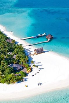 This 112-villa Angsana Velavaru is a remote and secluded resort in the pristine Maldives. Angsana Velavaru (Velavaru, Maldives) - Jetsetter