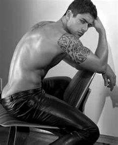 sexy tattooed men