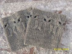 Ravelry: Owl boot cuffs pattern by Natalia Shushpanova Knitted Owl, Knitted Boot Cuffs, Fingerless Gloves Knitted, Knit Boots, Knitting Charts, Loom Knitting, Knitting Patterns Free, Baby Knitting, Boot Toppers
