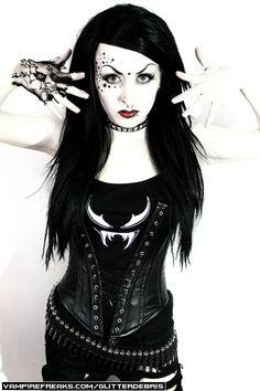 #Vampirefreaks #Goth girl model Glitter Debris getting her Goth on