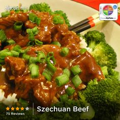 Sliced sirloin is marinated in soy sauce spiced with red pepper and garlic, then stir-fried with broccoli, onion, water chestnuts and peanuts. Meat Recipes, Asian Recipes, Cooking Recipes, Healthy Recipes, Ethnic Recipes, Chinese Recipes, Oriental Recipes, Oriental Food, Asian Foods