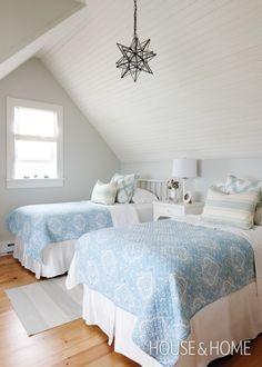 Blissful Cottage Bedroom: Sarah Richardson