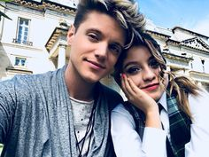 ruggero soy luna soyluna matteo disney serial serials super happy together felicity for now superhappytogether felicityfornow filicity filicityfornow love lovestserial lovestserials lovest jam jim ramiro nina gaston love music Best Tv Shows, Favorite Tv Shows, Lionel Ferro, Boy And Girl Best Friends, Kissing In The Rain, Cimorelli, Movie Dates, Son Luna, How To Speak Spanish