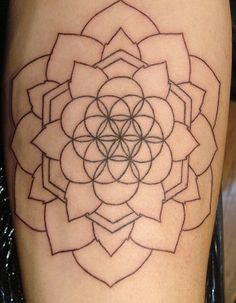 40 Super Ideas Tattoo Geometric Design Sacred Geometry Flower Of Life Arrow Tattoos, Rose Tattoos, Flower Tattoos, New Tattoos, Tatoos, Flower Of Life Tattoo, Mandala Rose, Sacred Geometry Tattoo, Geometric Flower