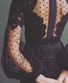 plumetis allure style look robe noire transparence black dress kleid dentelle petits pois lace & dots Look Fashion, Fashion Details, Fashion Beauty, Womens Fashion, Party Fashion, Formal Fashion, Classy Fashion, Brown Fashion, Fashion Vintage