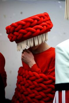 ⍙ Pour la Tête ⍙ hats, couture headpieces and head art - central st martins student design