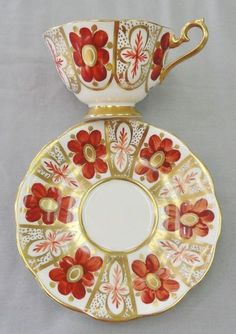 Beautiful Hand Painted Un-Named Royal Albert Pattern from the 1970s in the Avon Shape.